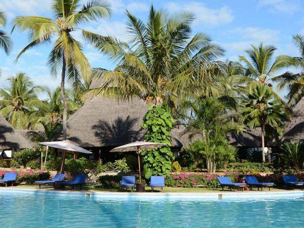 Hotel Breezes Beach Club