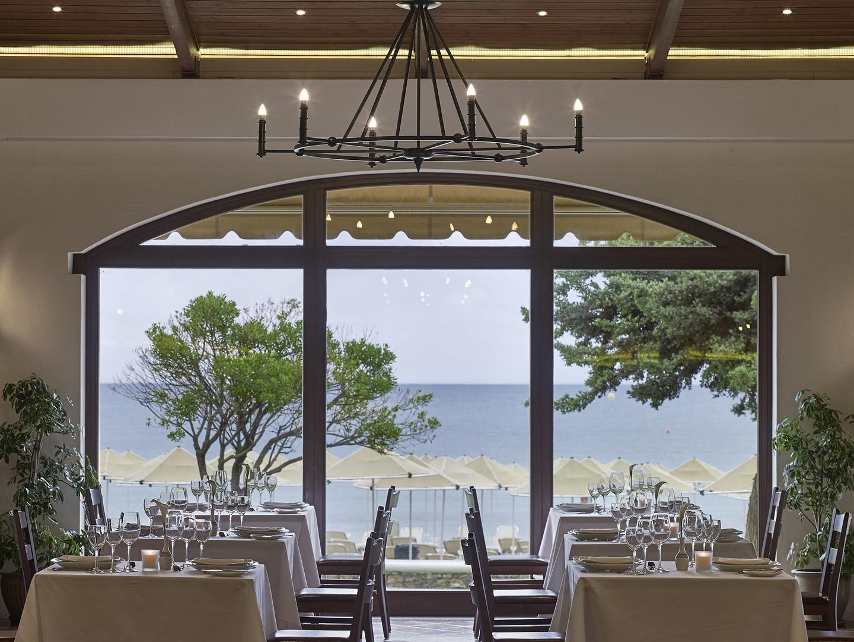 Cosmos Restaurant - hotel Creta Maris Beach Resort